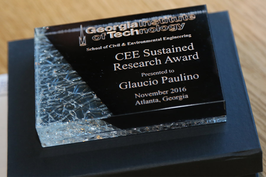 Glaucio Paulino's award (Photo: Jess Hunt-Ralston)