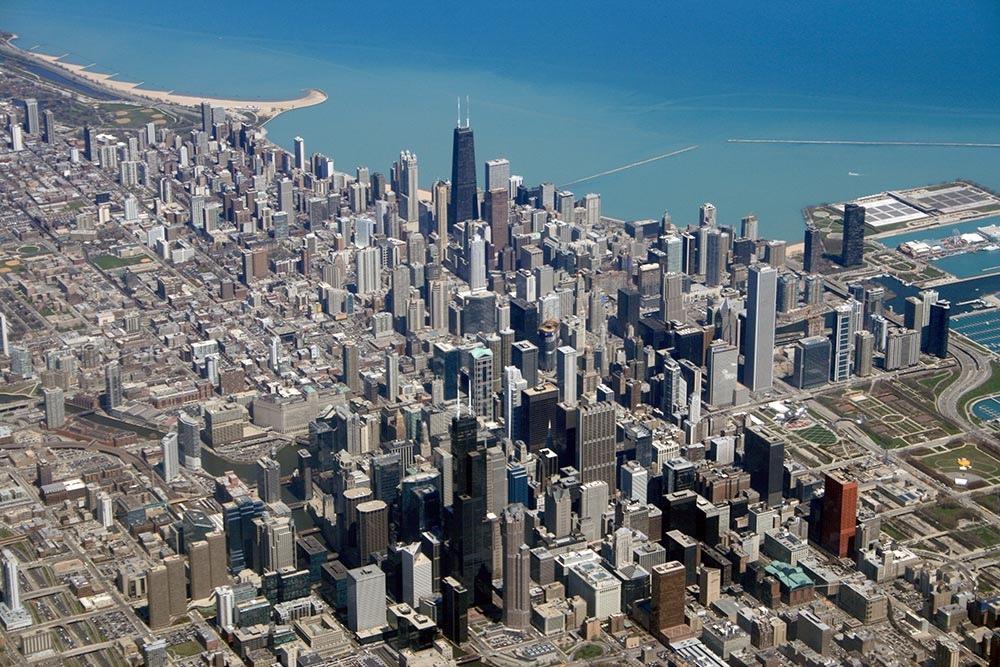 Downtown Chicago Aerial (Photo: urbanfeel via Flickr)