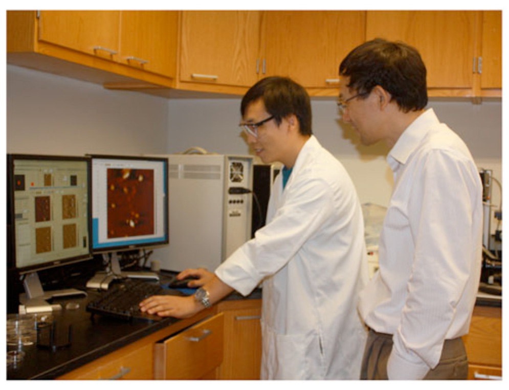 Researchers at Georgia Tech are using atomic force microscopy to characterize the surface properties of commercial manufactured nanomaterials.