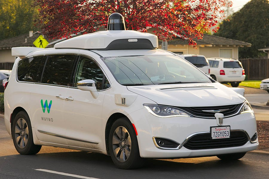 An autonomous Waymo Chrysler Pacifica drives around Los Altos, California. (Photo Courtesy: Dllu via Wikimedia Commons)
